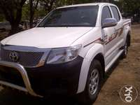 """RUGGED and COOL"" 2012 Toyota Hilux (High Jack) up for grabs! 0"