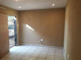 Rooms in commune for rent