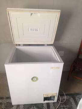 I'm selling my deep freezer good working condition