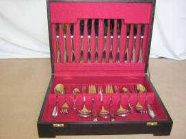 44 piece canteen of cutlery