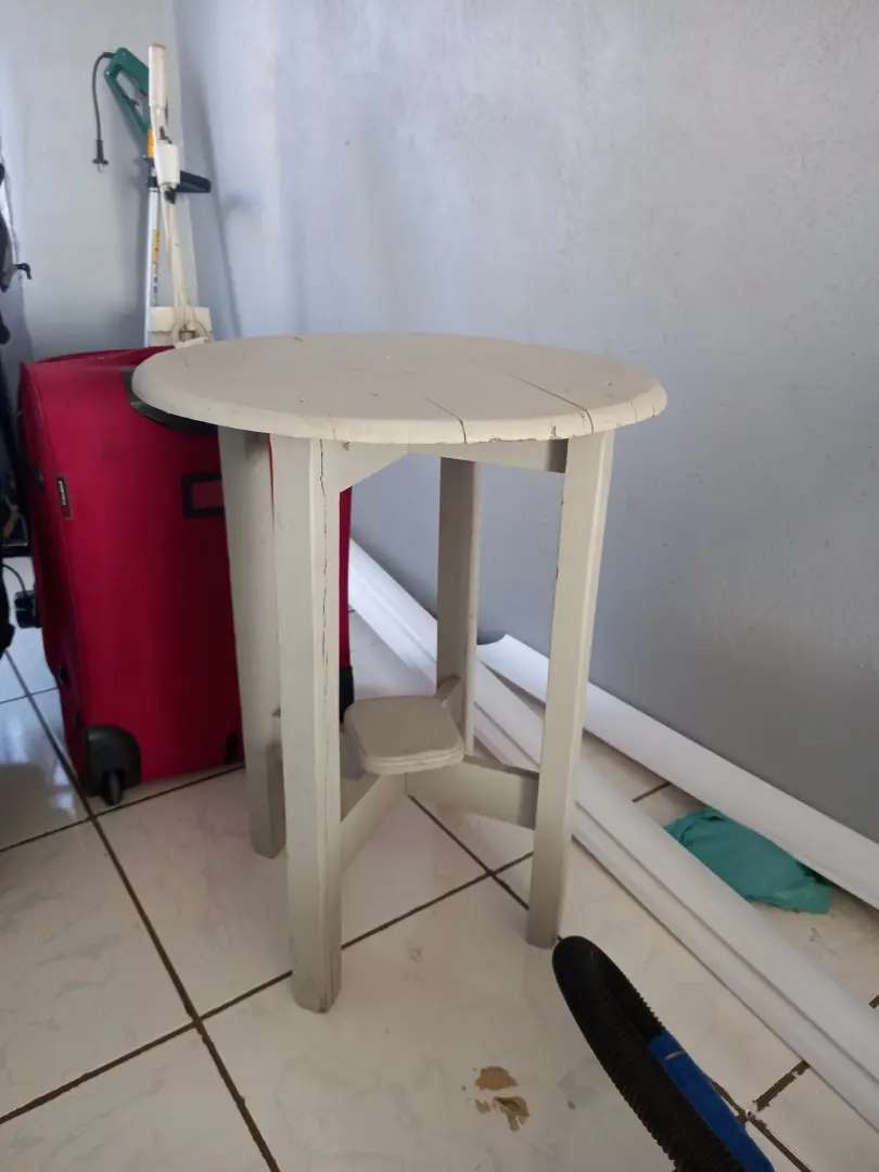 Small table r180