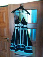 letnia sukienka o unikatowym wzorze