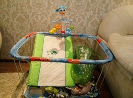 Музыкальная игрушка на кроватку+пеленатор+подставка для купания