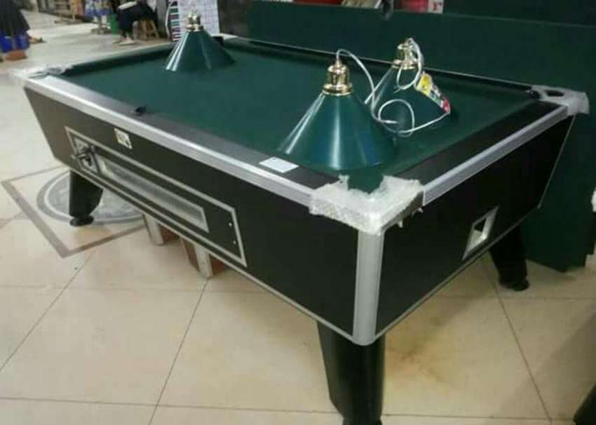 New board pooltable 0