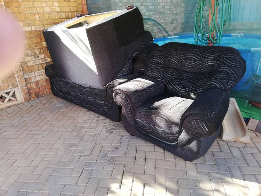 The couches is 2 years old. Still in good condition 0