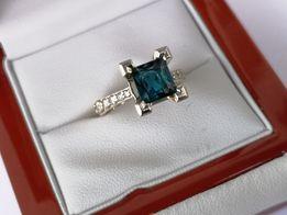Pierścionek złoty z białego złoty pierścionek zaręczynowy z topazem
