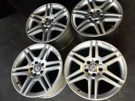 A set of Mercedes Rims size 17 AMG for sale it's available now