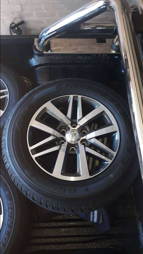 Rims and Tyres 0
