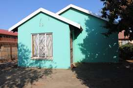 3 Bedroom house for SALE in Sunrise View