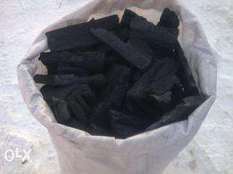 Продам уголь древесный в мешках по 15кг и в бумажных мешках