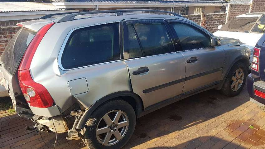 Volvo XC 90 D5 AWD Stripping for spares 0