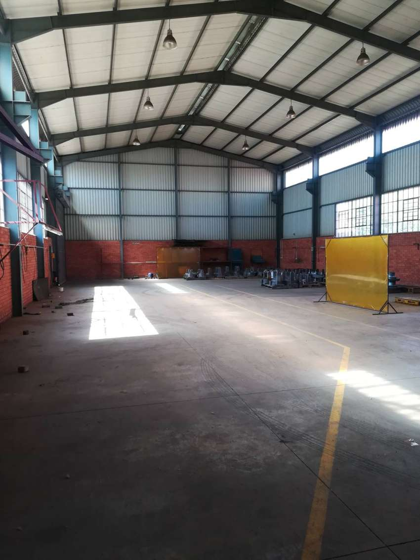 900m2 factory to let in Boksburg East 0
