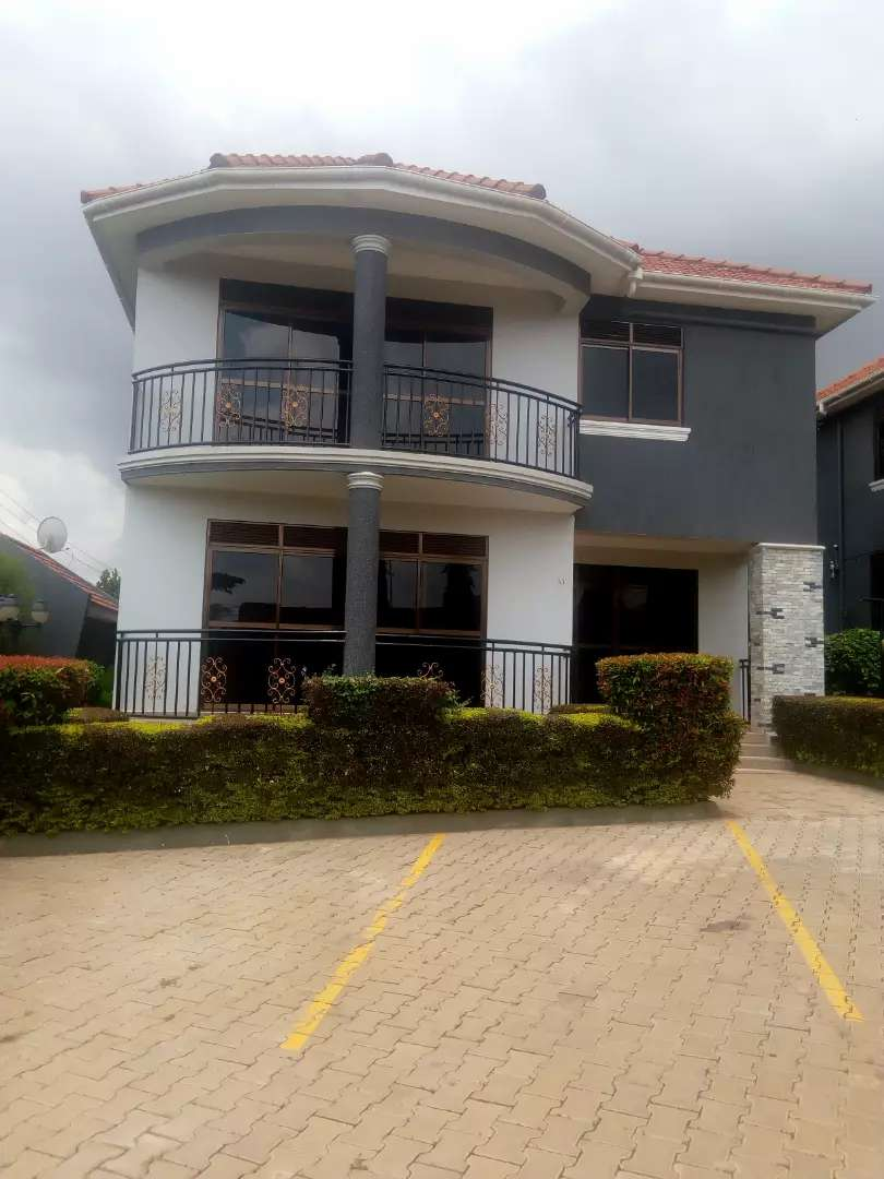 3 bedroom villas for rent at Muyenga 0