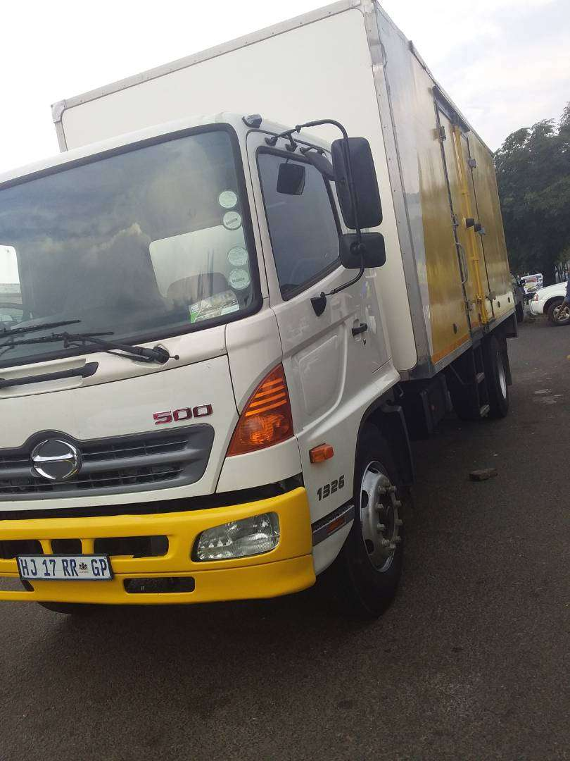 Truck for hire locally or cross border 0
