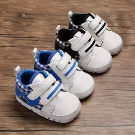 Infants takkies new