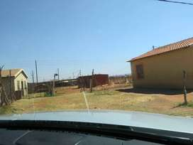 Stand with a 3 roomed shack for sale