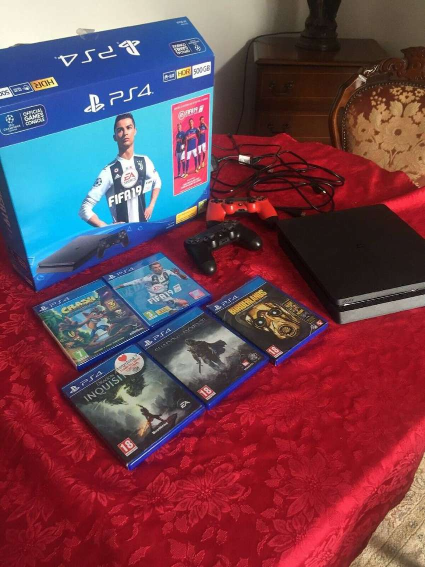 ps4 slim with fifa 19 and 2 pads 0