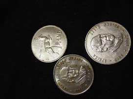 R1 COINS 1982 AND 1990