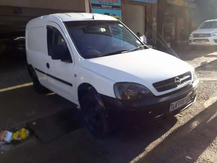 Opel Combo 1.4 R 75 000 Negotiable