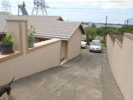 3 BED FREE-STANDING HOUSE FOR RENT IN EASTBURY R 6500 EXCL: L/W