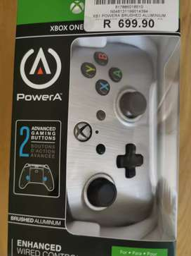 Xbox wired remote, customizable