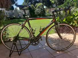 GT R Series racing road bike