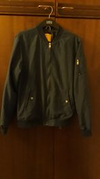 Бомбер, куртка ветровка мужская Bershka, разм. М, 38