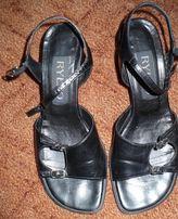 czarne sandały Ryłko 37 sandałki obcas