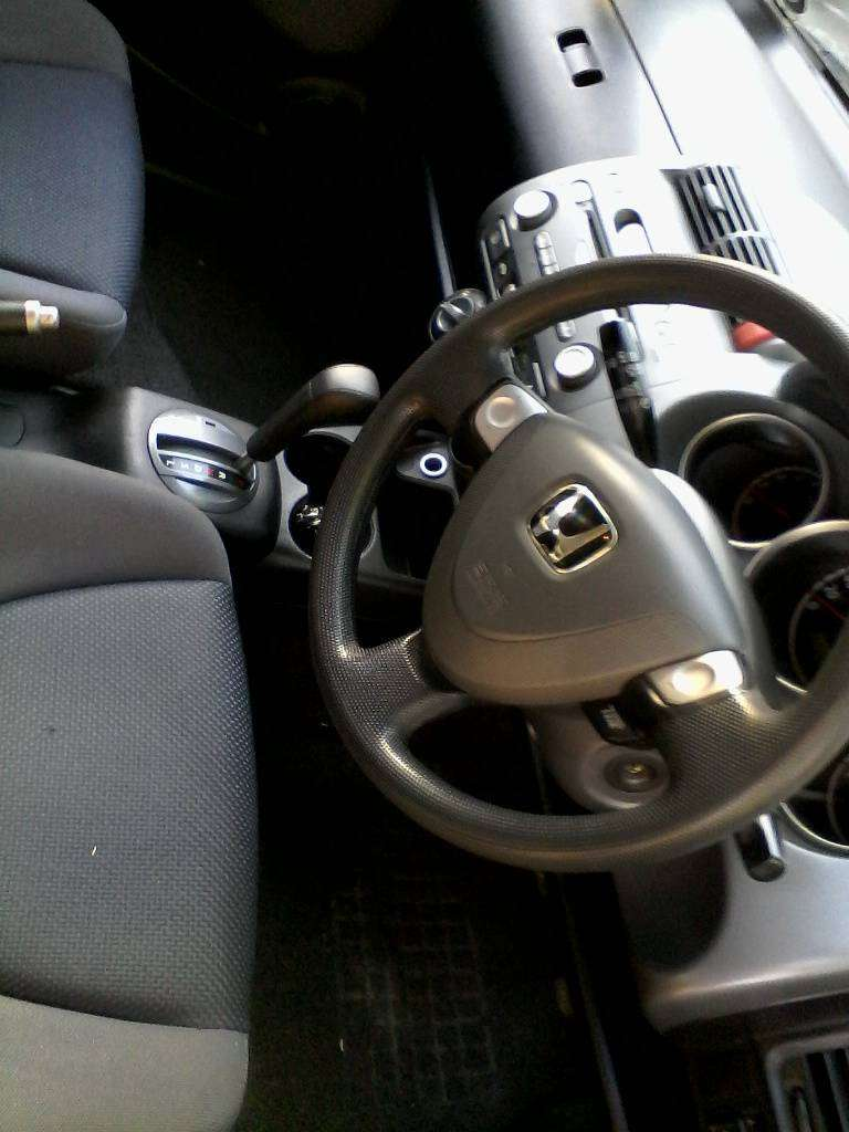 2003 DECEMBER Honda Jazz AUTOMATIC.1,4 . very reliable and super lite 0