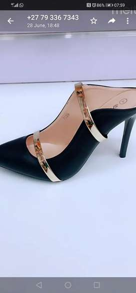 Elegant shoes( leather) for ladies