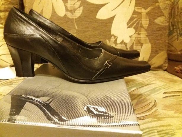 Туфлі 39 р.чорні шкіряні з темно- сірими вставками ТМЛідер Львов - изображение 3