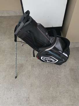 Selling a brand new callaway chev stand bag