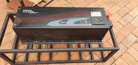 Pure Sine Wave UPS Backup 4kW Inverter with Build in AC Charge