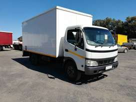 2006 Toyota Dyna 7-145 (4 ton) with volume body
