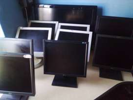Monitors for your Internet cafe