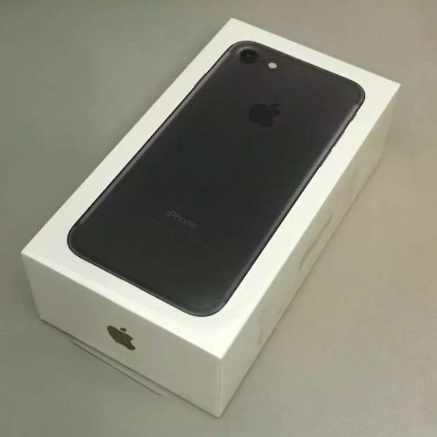 Apple iPhone 7 boxed 128gb 0