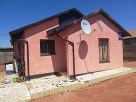 House to rent in Kagiso ext 9