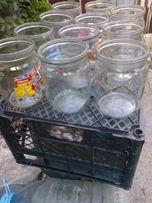 Продам стеклянные банки емкостью 0,5 литра под евро крышку.