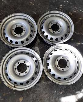 17 ins highlux gd6 rims