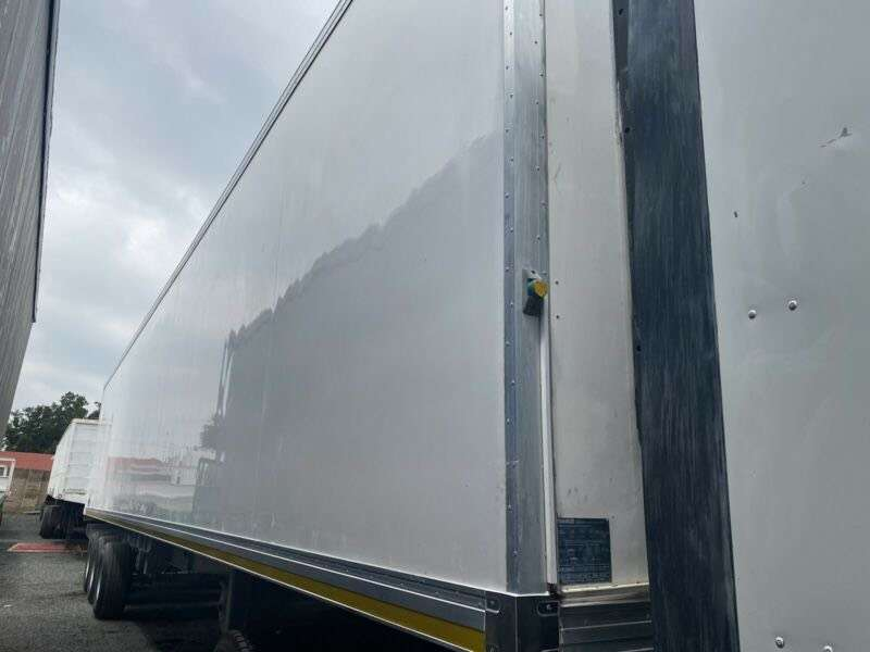 30 Pallet Serco refrigerated trailer for hire. 0