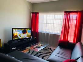 2 bedroom flat for R6200 available 1 June 2021 in Richmond Hill, PE