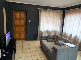 Townhouse for rent in protea glen