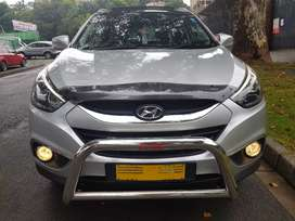 2014 Hyundai ix35 2.0 with Sunroof and leather seats