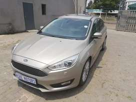 2017 ford focus 1.0 eco boost with spear key services book
