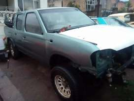 Nissan D/Cab for spares