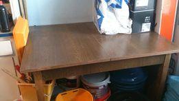 Stół rozsuwany .