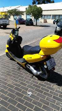 Image of Vuka Scooter