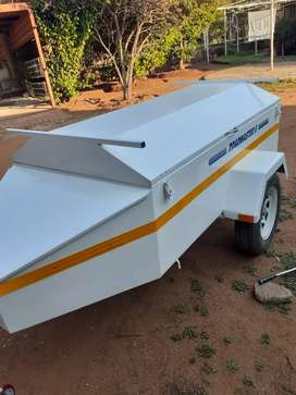 6 foot Roadmaster trailer with tailgate