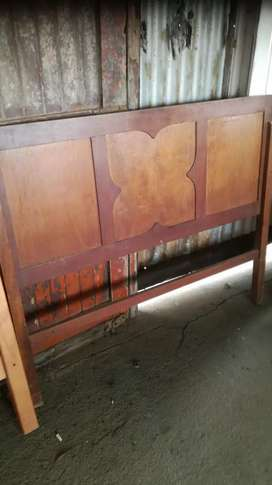 Wood head boards and dresses table