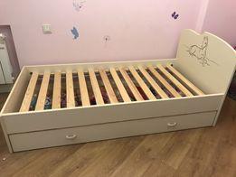 Кровать размер 190*90, есть ящик для игрушек